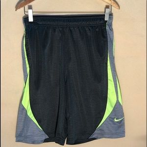 NIKE MEN LARGE GREY ATHLETIC SHORTS